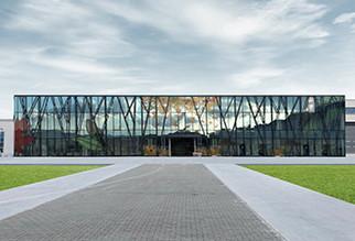 Die Konzernstruktur der Cam Merkezi wurde erneuert und alle Marken wurden unter dem Dach der Yorglass vereint